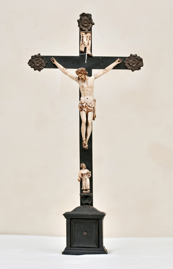 Scultura avorio Cristo crocefisso Seicento
