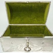 scatola in argento a baulettoIMG_20180404_193728