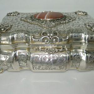 grande portagioie in argento