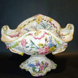 Coppa in maiolica del 1800